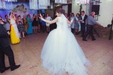 Красивое белоснежное свадебное платье. 180 $