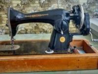 Продаётся швейная машинка б/у 220 руб