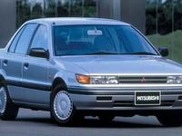 Продам решетку радиатора для mitsubishi lancer/colt 1989-1995 г. в. 250 руб