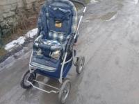 Продаю детскую коляску и кроватку недорого 300 руб