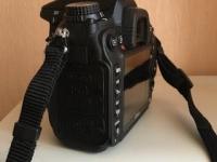 Nikon D7000 300 $