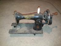 Швейная машинка (рабочая / раритет)
